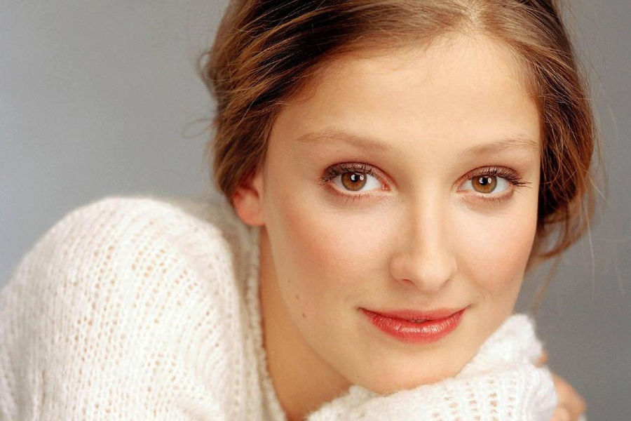 Practice German with films starring Alexandra Maria Lara.