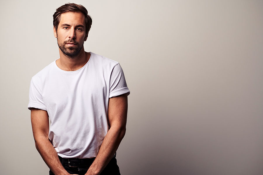 Learn German with the music of Max Giesinger!